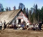 Фото 1915г. Карелия. Военнопленные австро-венгры у барака