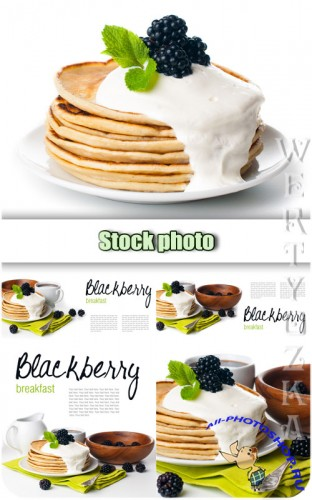 Завтрак, блины с ежевикой / Breakfast, pancakes with blackberry - Raster clipart