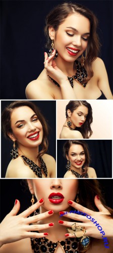 ������� � ������������ ����������� / Girl with jewels - Stock photo