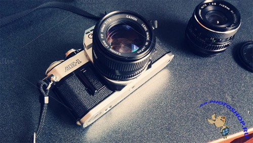 CreativeMarket - Vintage Camera with Lens 76420